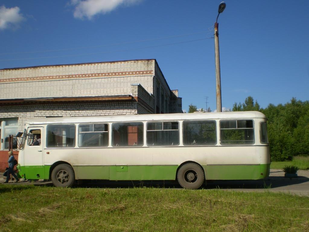 Vladimir region, LiAZ-677M # ВВ 699 33