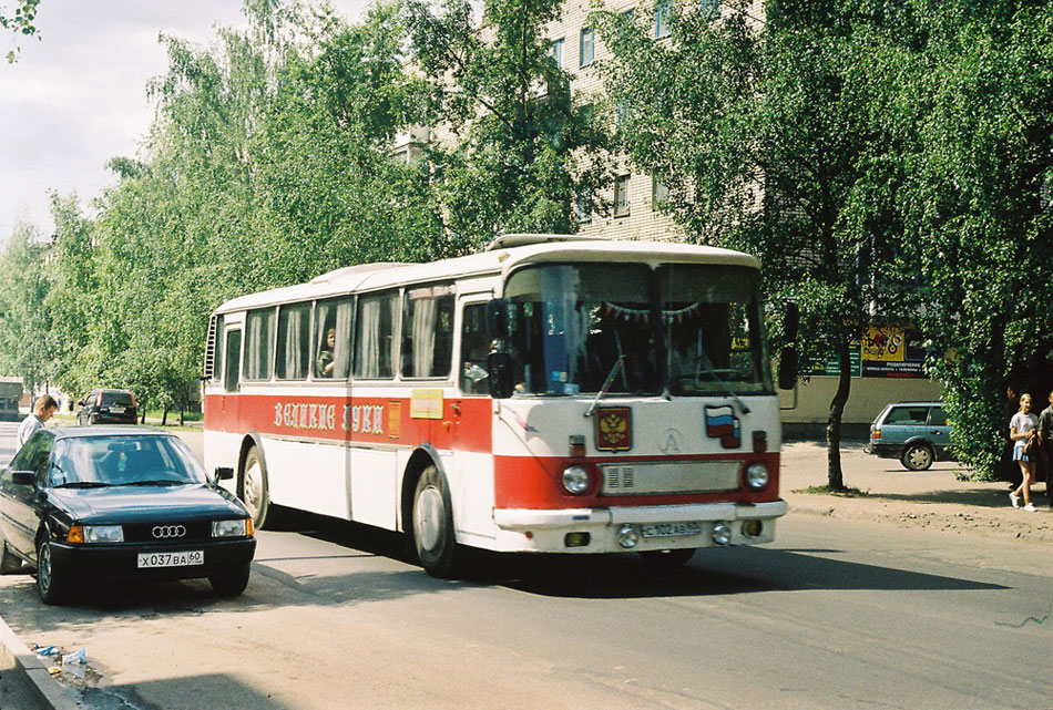Pskov region, LAZ-699R # С 102 АВ 60