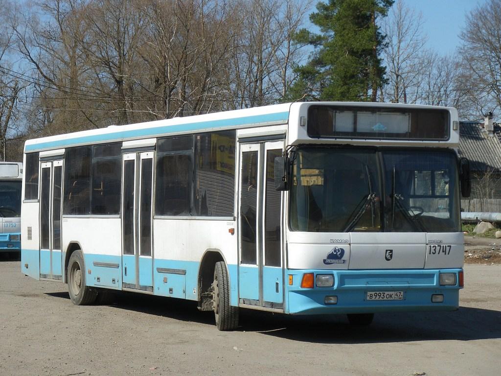 Leningrad region, NefAZ-5299 (529900) # 13747