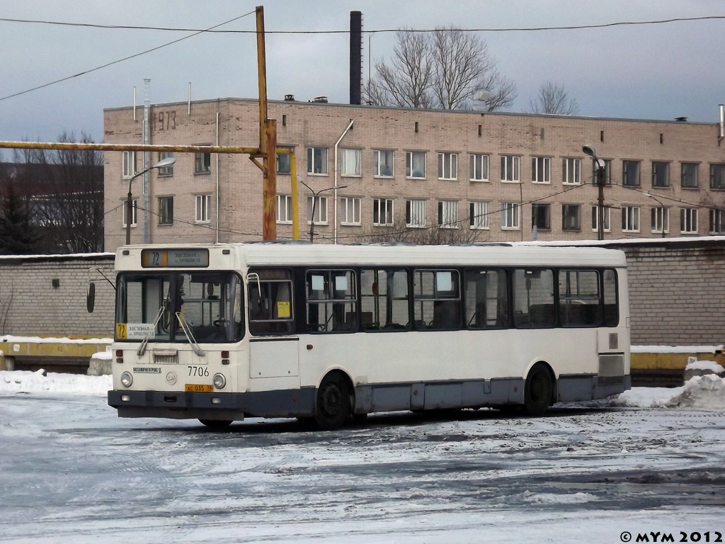 Saint-Petersburg, LiAZ-5256.25 # 7706