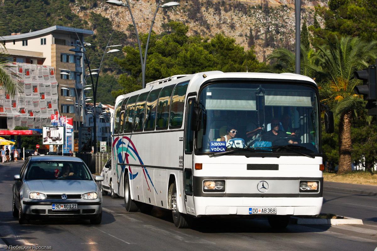Автобусный парк в Черногории разнороден, от современных до явно устаревших машин
