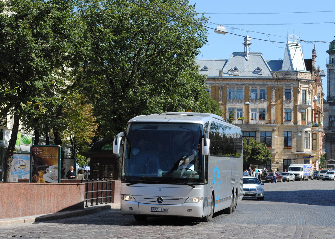 Poland, Mercedes-Benz O580-16RHD Travego # RPZ 11800