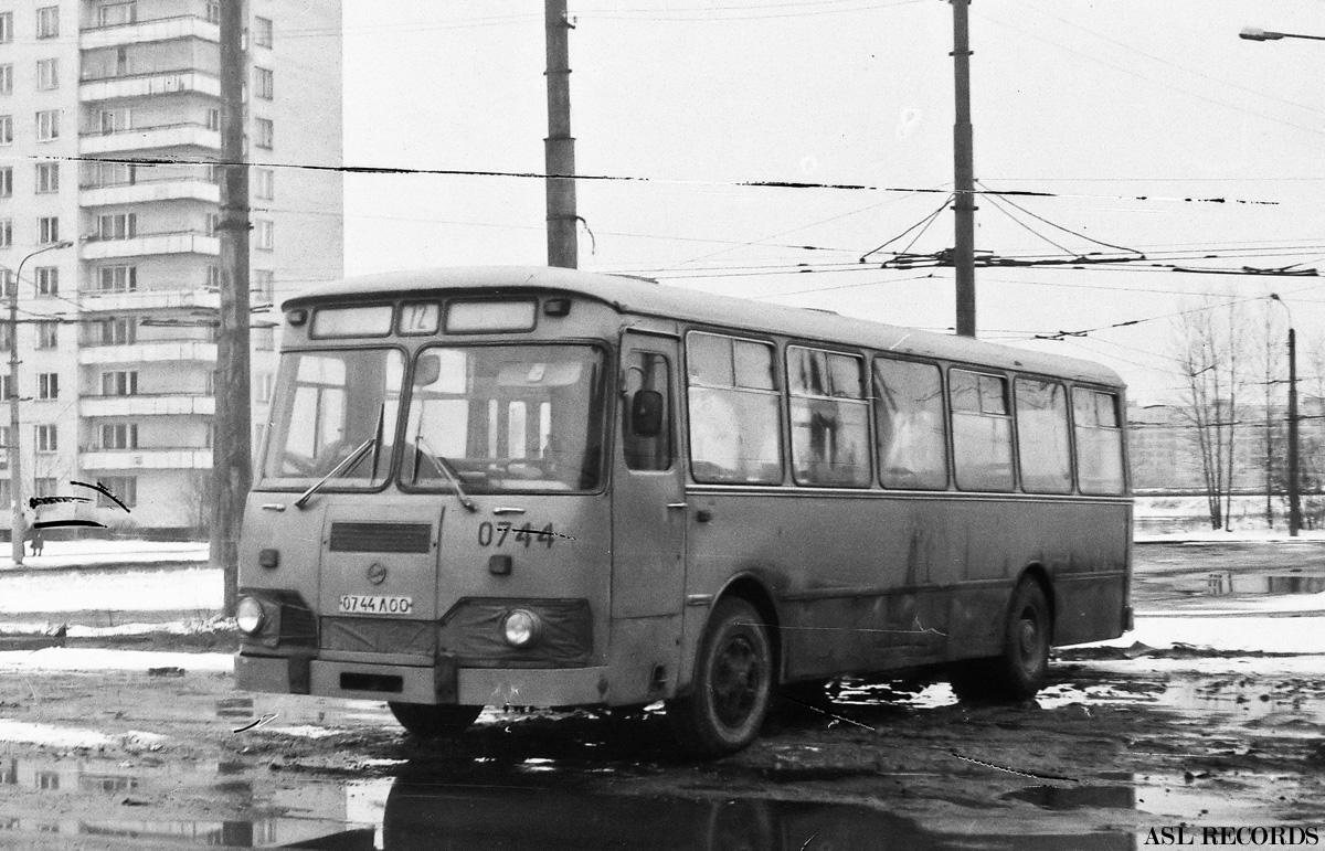 Saint-Petersburg, LiAZ-677M # 0744
