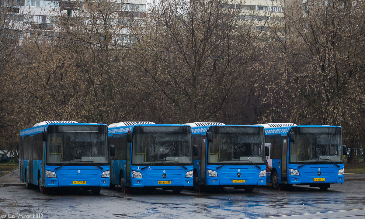 Moscow, LiAZ-4292.60 (1-2-1) # 9715015; Moscow — Bus stations