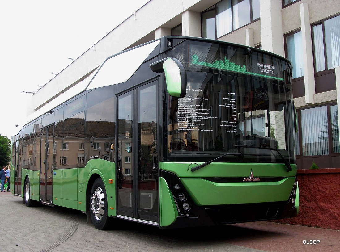 Новые модели двигателей Mercedes-Benz будут устанавливать на ... | 816x1100
